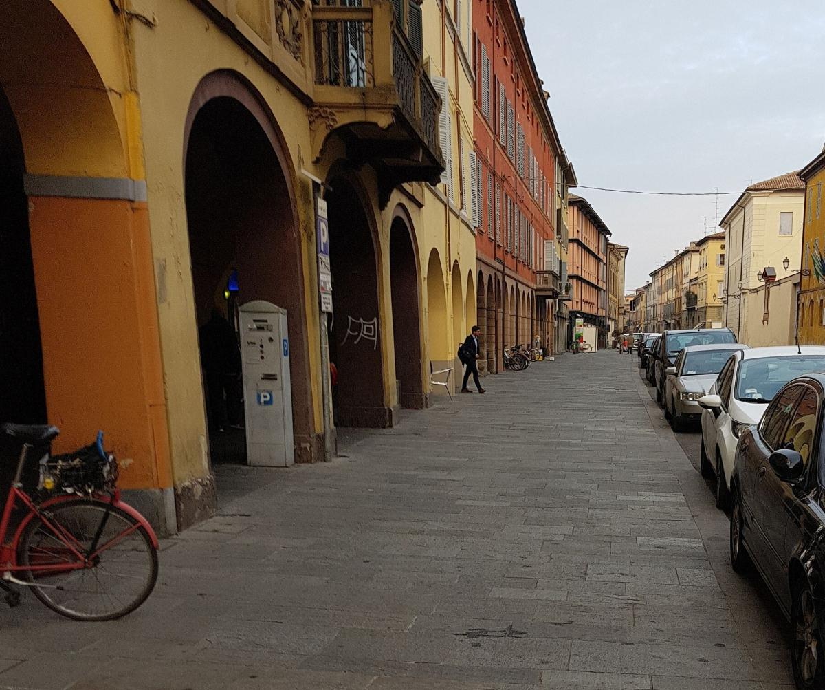 marciapiede San Pietro